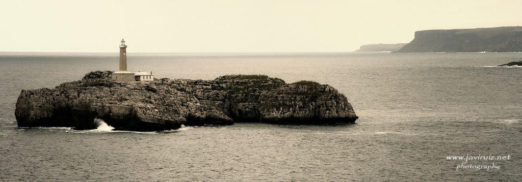 Faro Isla de Mouro (Santander)